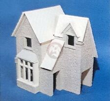 Custom Dioramics 1/35 European 2-Story Train Station Stone Building WWII CD-1122