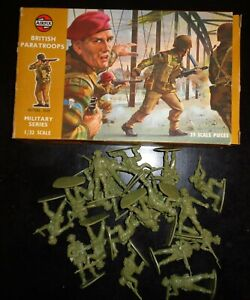Vintage 1960's? Airfix # 1712 1:32 Scale Figures - WWII British Paratroops