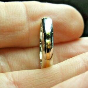 950 PLATINUM WEDDING BAND enhanced with 18ct gold  UK SIZE J.5. 6.1g