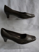 K BY CLARKS WOMENS BROWN SLIP ON LEATHER COURT SHOES SZ:5.5/38.5(WHS285)