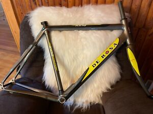 De Rosa King Xlight, never built up. Size 52'with Ritchey headset
