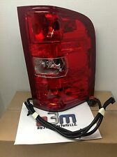 Chevrolet Silverado RH Passenger Side TAIL LAMP/ BRAKE LIGHT Assembly new OEM