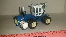 1/64 ERTL custom kinze big blue 640 4wd tractor w/ 300 gal saddle tanks farm toy
