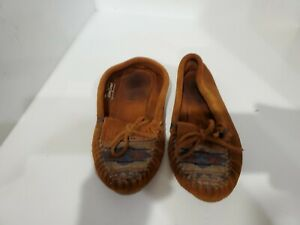 Minnetonka Womens Brown Suede Loafers Size 6 M
