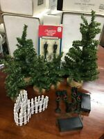 Lot Dept 56 Evergreen Trees Wood Stands + 6 Lamp Posts + Picket Fence