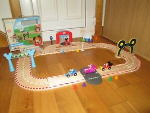 DISNEY JUNIOR MICKEY MOUSE AND THE ROADSTER RACERS WOODEN RACETRACK BOXED SET