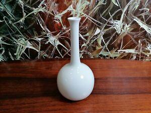 FÜRSTENBERG Wilhelm Wagenfeld, Vase IN White - Height 8 1/2in