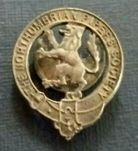 VINTAGE BADGE ~ THE NORTHUMBRIAN PIPERS' SOCIETY ~ BORDER PIPES / SMALL PIPES