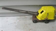 VINTAGE TONKA No. 150 CLAM EXCAVATOR CRANE FROM THE 1950'S PRESSED METAL