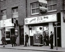 "2is Coffee Shop London 10"" x 8"" Photograph no 3"