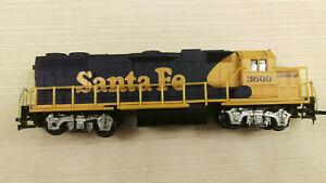 LIFE LIKE HO GP38 Locomotive, Santa Fe #3600  Serviced. SN-07298, runs good