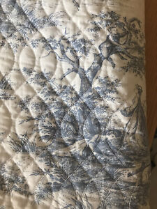 M&S Kingsize Toile / Striped  Bedspread Reversible With Matching Pillow Cases X2
