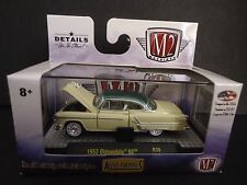 M2 Oldsmobile 98 1953 Beige with Green top 1/64 32500-39