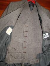 Vintage 1976 Men's Size 36 Suit with vest, new photos just added