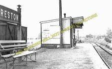 Oreston Railway Station Photo. Plymstock - Turnchapel. Plymouth Area. L&SWR. (2)