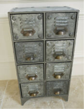 Mobili e pensili della cucina grigio con cassetti per la casa