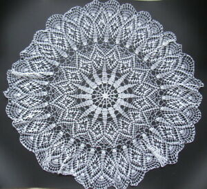 Beautiful Vintage Knotted Lace Table Cloths Handmade Made Crochet