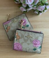 NWT Coach Snap Card Case In Signature Canvas With Prairie Rose Print- 2413