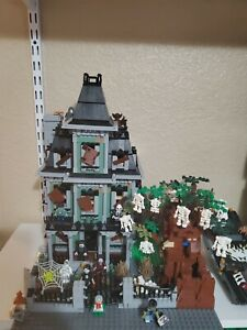 Lego Monster Fighters Haunted House 10228 + extras
