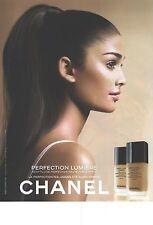 """PUBLICITE ADVERTISING  2012   CHANEL cosmétiques """" perfection Lumière """""""
