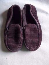 Men's used brown Dearfoam slippers size S 7-8