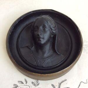 Ancien Médaillon Vierge Marie Plâtre Teinté en Noir XIXe Reliquaire 19thC