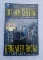 Gotham Central Book One IN THE LINE OF FIRE Graphic Novel ( DC COMICS 2008)