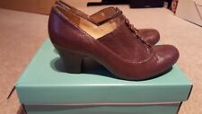 clarks brown leather shoe boots 5.5