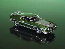 1971 FORD MUSTANG MACH 1 FASTBACK 1/64 SCALE DIECAST DIORAMA COLLECTIBLE MODEL