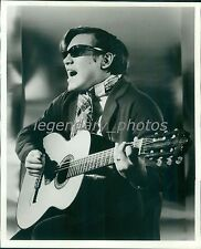 1969 Entertainer Jose Feliciano Plays Guitar Original News Service Photo