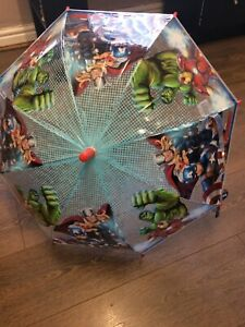 bnwt avengers umbrella