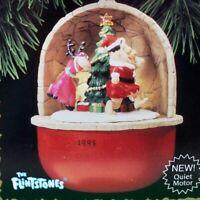 Hallmark Keepsake Ornament Fred and Dino Flintstones Magic Light Motion QLX7289