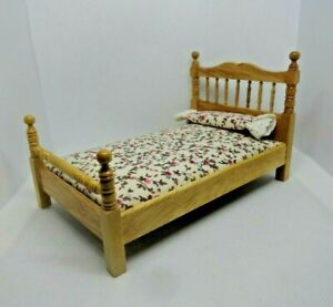 1:12 scale vintage HQ dollhouse miniature Early American Oak 4 Post Bed floral
