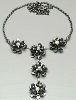 Design Silber Collier 925 punziert Blüten-Collier weiße Perlen besetzt 80th/A435