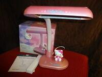 Hello Kitty Pink Fluorescent Bulb Desk Lamp w/Original Box Sanrio 2000 HK91P