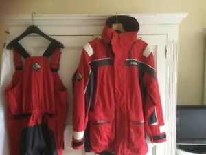 Musto BR1 Laidies Sailing Jacket & trousers size Large