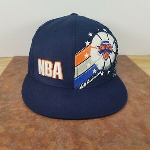 New York Knicks NBA Large Graphic Fitted Cap - Size 7 5/8  Basketball