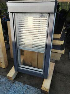 Velux Dachfenster GGU F06 mit Eindeckrahmen und Innenrollo