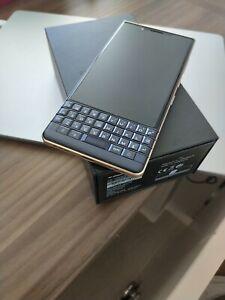 BlackBerry Key2 LE - 64GB - Black and gold/Champagne Trim, DUAL SIM (Unlocked)