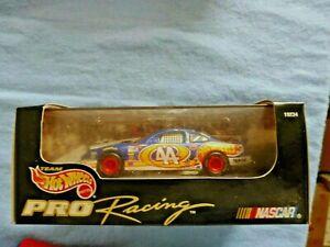 HOT WHEELS NASCAR PRO RACING KYLE PETTY BLUE PONTIAC BLUE #44 NEW IN BOX