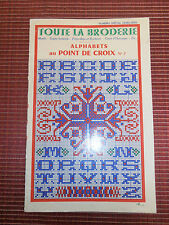CATALOGUE POINT DE CROIX - BRODERIE  ( ref 24 )