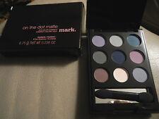 AVON Mark  - On the Dot  -  Matte Eye Color Compact  - eyeshadow