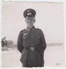 (F27354) Orig. Foto Marburg, Tannenbergkaserne, Soldat a. Kasernenhof 1939