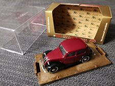 Fiat 508 C BERLINA 1100 HP32 1937-1939  1:43 BRUMM R31