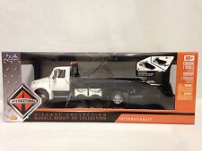 INTERNATIONAL DURASTAR 4400 FLAT BED TOW TRUCK,COLLECTIBLE 1:24 DIECAST JADA WT