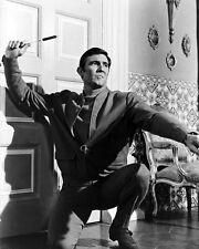 Lazenby, George [James Bond] (22858) 8x10 Photo