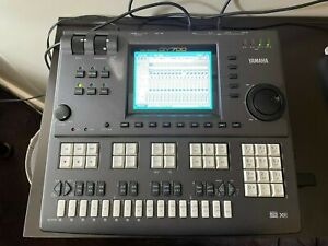 Yamaha QY700 Sequencer, Synth Module, FX & USB Drive
