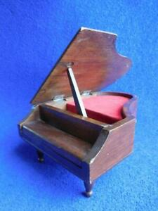 Vintage Grand Piano Wooden Music Box Jewelry Case Raindrops Falling on My Head