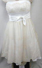 Betsey Johnson Dress Size 2 Designer Eyelet Lace Bustier CocktaiL Prom Tea Tulle