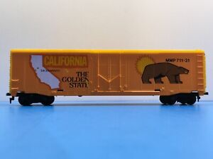 """HO Scale """"California - The Golden State"""" MMP 711-31 50' Freight Train Box Car"""